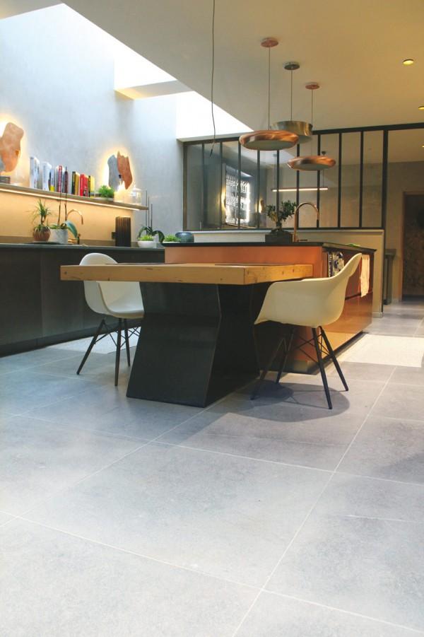 Sanded brushed Causse limestone flooring