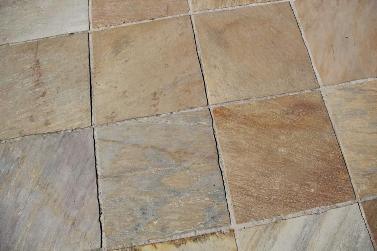 Dalles  quartzite du brésil côtés tranchés jaune