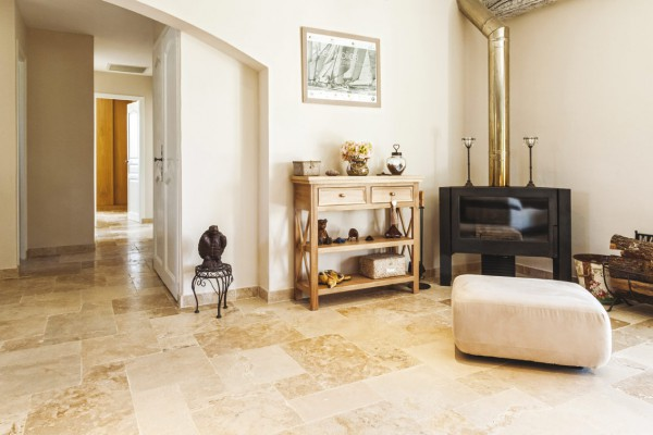 Commercial choice travertine paving