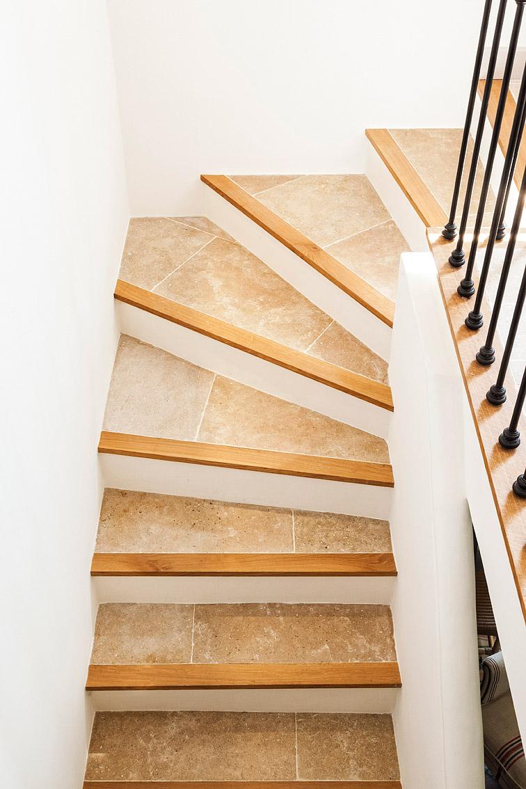 escalier en dalles perle de jena vieillies