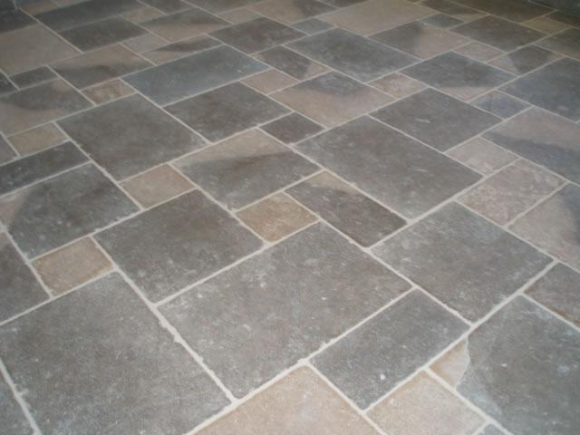 Gammes produits carrelage salle de bain terrasse for Carrelage en pierre calcaire