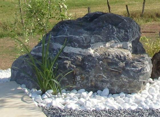 pierre décorative noir intense