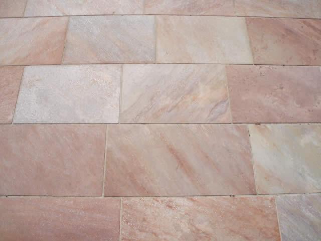 Dalles  quartzite du brésil côtés sciés rose