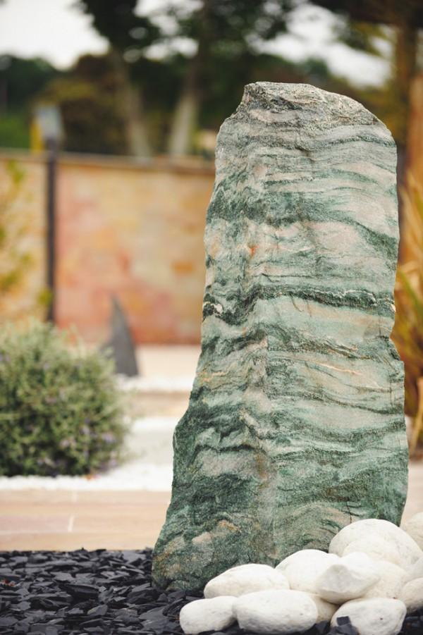 Monolithe en quartz vert et rose